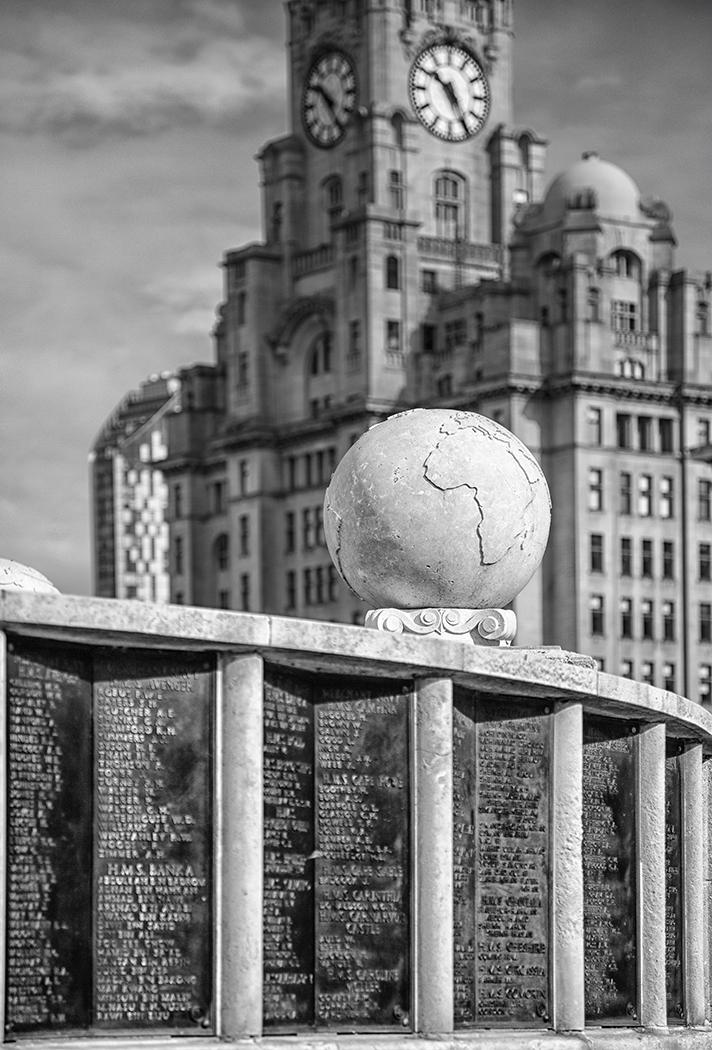 Seaman's memorial and Liver bldg