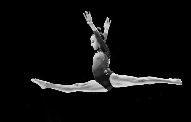 Noel-Patterson_Gymnastic-leap