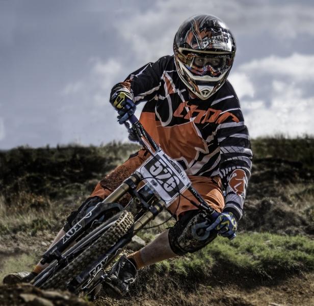 Downhill_racer